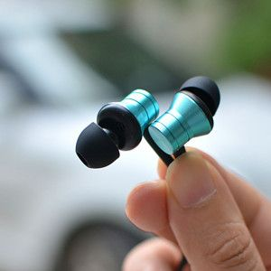 Lightweight design lets you hear music without any stress