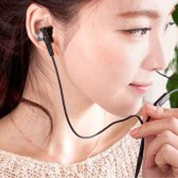 Built-in microphone to answer incoming calls